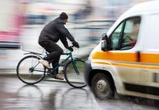 Situation dangereuse de circulation urbaine image libre de droits
