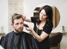Situation de salon de cheveu images stock