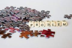 Situation difficile pendant l'ensemble des puzzles Solution des problèmes complexes Occasions hors de la situation de problème photographie stock