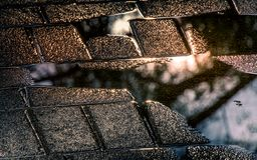 Situazione piovosa - riflessioni dopo la pioggia immagini stock libere da diritti