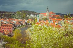 Sityscape Cesky Krumlov την άνοιξη Βοημία, Δημοκρατία της Τσεχίας στοκ φωτογραφίες με δικαίωμα ελεύθερης χρήσης