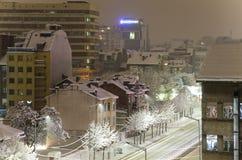 Sityscape de la nieve del invierno de Sofia Bulgaria Foto de archivo libre de regalías