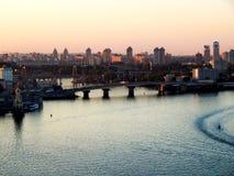 Sityscape en la puesta del sol imagen de archivo libre de regalías