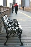 Sitz auf der Brücke. Stockfoto