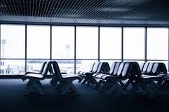 Sitze am Flughafen lizenzfreie stockfotos