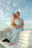 Sitzen durch den Ozean Lizenzfreies Stockfoto