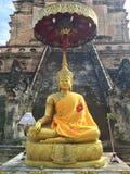 Sitzende Buddha-Statue in Thailand Stockfotos