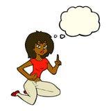sitzende Frau der Karikatur mit Idee mit Gedankenblase Lizenzfreie Stockfotos