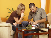 Sitzende Paare Lizenzfreie Stockfotografie