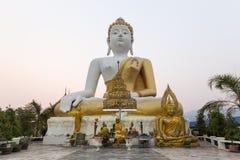 Sitzende Statue Buddhas Buddha Lizenzfreie Stockfotos