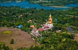 Sitzender Buddha-Tempel von der Luft Lizenzfreie Stockfotografie