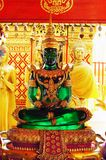 Sitzender Smaragd-Buddha Lizenzfreie Stockfotos