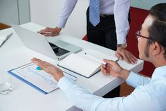 Sitzung der Geschäftsleute stockfotos