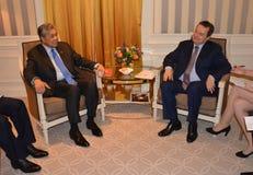 Sitzung des Außenministers von Serbien Ivica Dacic und des Ahmad Zahid Hamidis, Abgeordneter Prime Minister von Malaysia Lizenzfreies Stockbild
