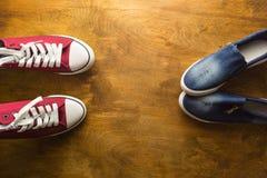 sitzung Jugendschuhe für buntes Leben Stockfoto