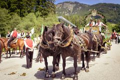SIUSI ALLO SCILIAR, ITALY - JUNE 2017: Unidentified people by yearly horse-riding event named royalty free stock photos