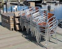 Siver et chaises de plate-forme d'acajou Image stock