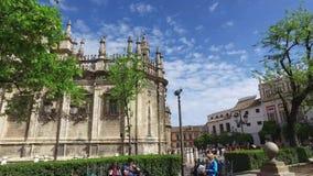 Siviglia, Andalusia, Spagna - 14 aprile 2016: Cattedrale di Siviglia stock footage