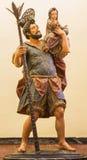 Siviglia - la statua di St Christopher (Cristobal) sugli anni laterali 1732 - 1734 della forma dell'altare in chiesa barrocco del Immagini Stock Libere da Diritti