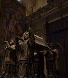 Siviglia, Spagna - 19 giugno: La tomba del insid di Cristoforo Colombo fotografie stock libere da diritti