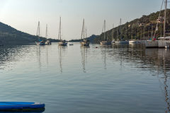 SIVOTA, LEFKADA, GRIEKENLAND 17 JULI, 2014: Panorama van Dorp van Sivota, Lefkada, Griekenland Stock Fotografie