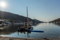 SIVOTA, LEUCADE, GRÈCE LE 17 JUILLET 2014 : Vue panoramique de village de Sivota, Leucade, Grèce Image libre de droits