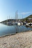 SIVOTA, LEUCADE, GRÈCE LE 17 JUILLET 2014 : Vue panoramique de village de Sivota, Leucade, Grèce Photographie stock