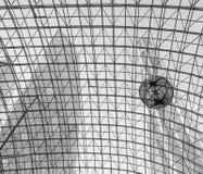 Siwieje geometrycznego abstrakcjonistycznego tło - część nowożytny sufit Zdjęcia Stock