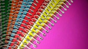 Six carnets dans différentes couleurs Photo stock