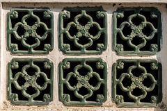 Six fenêtres vertes sur le modèle Photos libres de droits