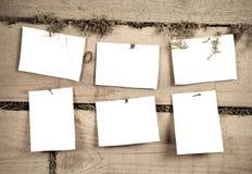 Six feuilles de papier Images stock