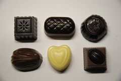 Six pralines de chocolat photo stock