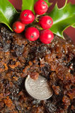 Sixpence en pudding de Noël Photos libres de droits