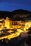 Sizilianische Stadt nachts Stockfotografie