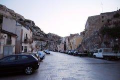 Sizilianische Straßenszene lizenzfreie stockbilder