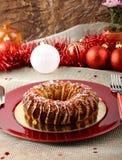 Sizilianischer Bonbon mit getrockneten Feigen und Gebäck auf der Weihnachtstabelle Stockfotografie