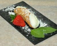 Sizilianisches Lebensmittel Cannolo lizenzfreie stockfotografie
