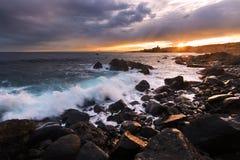 Sizilien: acicastello bei Sonnenuntergang Stockbild