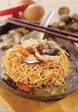 Sizzling crispy noodle Stock Images