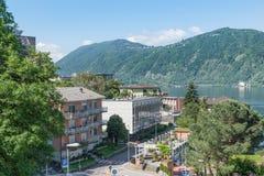 Sjö Lugano och Campione D 'Italia, Italien Stad som är bekant för kasinot arkivfoto