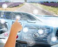 Själv-körning av bilbegrepp Fotografering för Bildbyråer