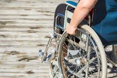 Självgående rullstol royaltyfria foton