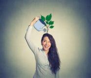 Självinvestering Kvinna med många idéer Arkivfoto