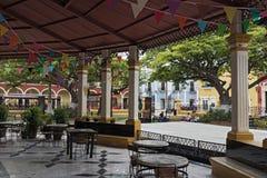 Självständighet parkerar plazaen i San Francisco de Campeche, Mexico royaltyfria bilder