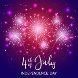 Självständighetsdagen- och violetfyrverkeri Royaltyfria Foton