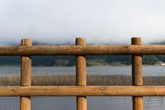 Sjö Abant och staket Royaltyfri Fotografi