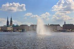Sjö Alster i Hamburg Arkivbilder