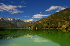 Sjö av Barcis (Friuli Venezia Giulia) Italien Fotografering för Bildbyråer