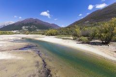 Sjö av Barrea i Abruzzo i Italien Arkivfoto
