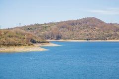 Sjö av Campotosto, Abruzzo italy Arkivbild